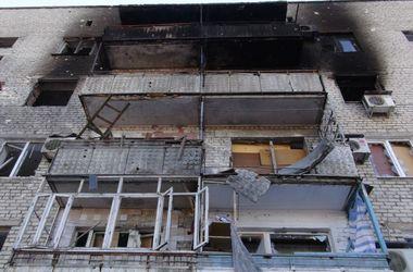 Подробности взрыва дома на Донбассе: под завалами осталась женщина и маленькие дети