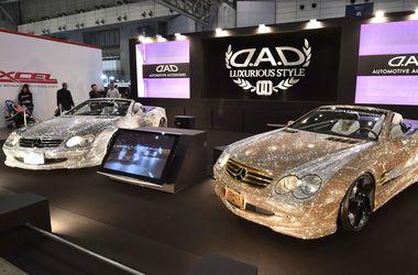 Японцы создали гламурный Mercedes с камнями Swarovski