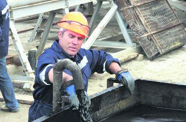"""Нефть дешевле минералки: какие еще жидкости стоят дороже """"черного золота"""""""