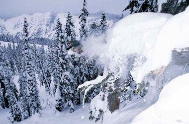 На Кавказе украинские альпинисты попали под лавину