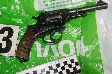 В Киеве полицейские поймали вооруженного мужчину