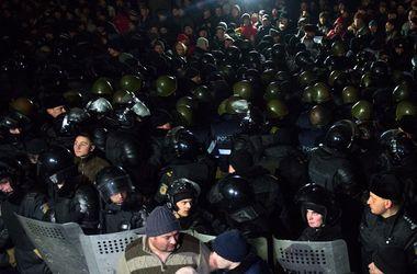 Под парламентом Молдовы протестующие ночевали в палатках