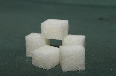 Кабмин резко повысил минимальные цены на сахар