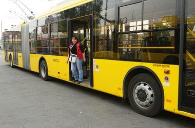 В Киеве столкнулись два троллейбуса