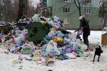 <p><span>Малиновский район. Коммунальщики не успевают вывозить мусор. Фото:Е. Фомина</span></p>