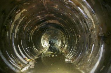 Дорогу из Крыма в Украину затопила канализация