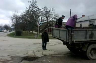 Видеохит: как в Крыму ремонтируют дороги