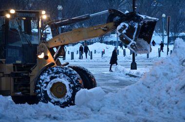 Число погибших из-за снегопадов в США продолжает расти