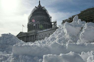 Видеохит: как американцы нестандартно развлекаются во время снежной бури