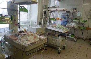 Институт Амосова получил уникальный аппарат для реанимации младенцев после операции на сердце