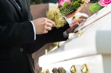 Порно на похоронах фото 328-974