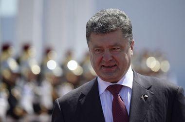 """Украинская армия готова """"дать по зубам"""" любому агрессору – Порошенко"""