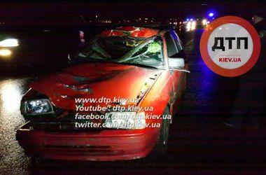 Смертельное ДТП в Киеве: пешеход на темной дороге бросился под колеса машины и погиб