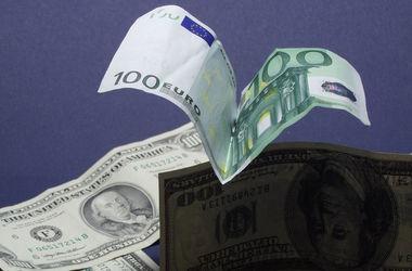 Курс доллара НБУ упал после бурного роста