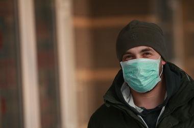 В киевском метро раздадут маски от гриппа