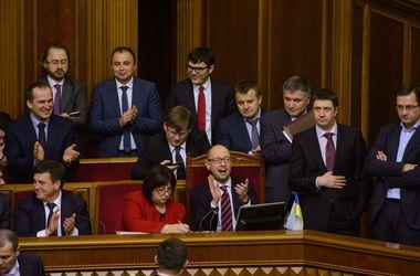 Торги за кресла в Кабмине: кого в Раде видят новыми министрами