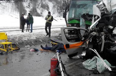 Подробности смертельного аварии скорой и автобуса в Харькове: двое погибли, шестеро в больнице