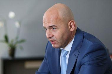 Кононенко назвал заявление Абромавичуса эмоциональным, но судиться не будет