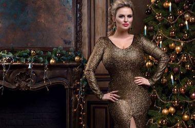Сексуальная Анна Семенович в очень узком платье рассказала о жизненных целях