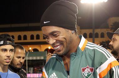 """Знаменитый бразилец Роналдиньо отказался переходить в лидирующий в Англии """"Лестер"""""""