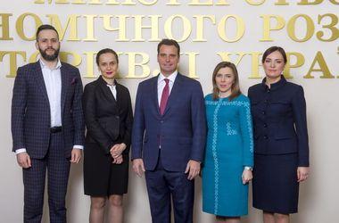 Первый замминистра МЭРТ Ковалив уходит в отставку вслед за Абромавичусом и командой