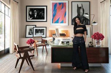 Сестры Кардашьян похвастались шикарным домом с дизайнерским интерьером