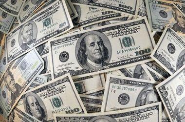 В мире рекордно упал курс доллара