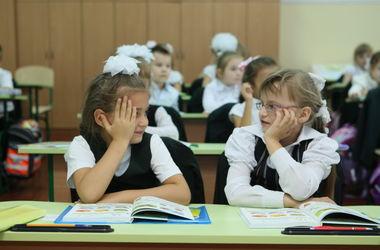 С понедельника школьники Киева вернутся за парты