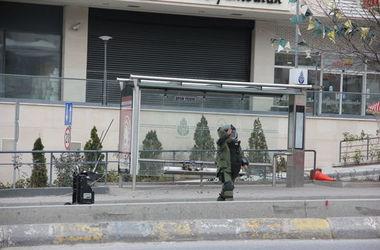 Турецкие саперы взорвали бомбу на остановке