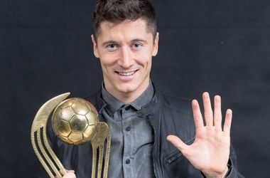 Роберт Левандовски в пятый раз подряд признан лучшим футболистом Польши