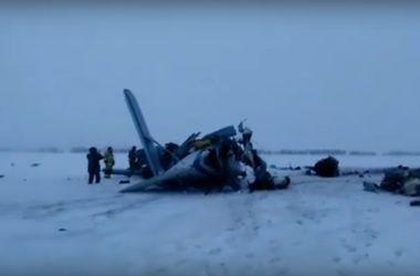 Появилось первое видео с места крушения самолета в России