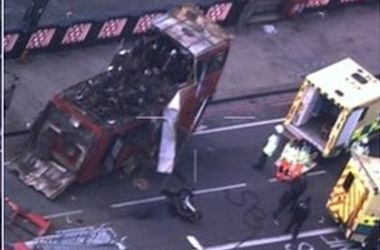 В Лондоне взорвали задействованный для съемок фильма с Джеки Чаном автобус