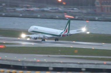 Шокирующее видео: пилот пассажирского лайнера совершил неудачную попытку посадки