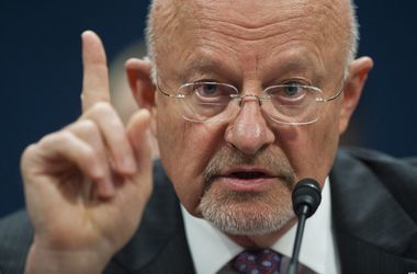 Россия продолжит давить на Украину - глава разведки США