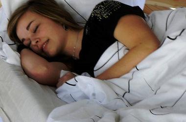 Почему надо спать на боку