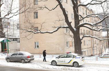В Киеве грабитель с игрушечным медведем забрал у мужчины 335 тысяч гривен