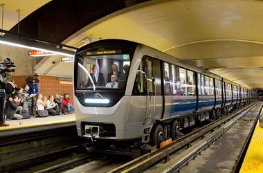 В Монреале запустили новый поезд метро на резиновых колесах