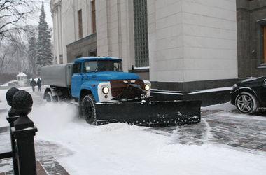 В Киеве за борьбой со снегом можно наблюдать онлайн