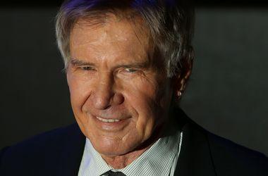 """Продюсеров новых """"Звездных войн"""" засудят за травму Харрисона Форда"""
