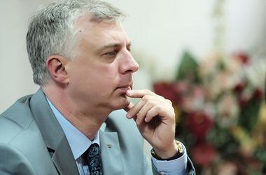 Министр Квит запретил вешать в школах Украины потреты руководства страны