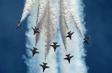 Мне бы в небо. В Сингапуре проходит авиационное шоу высшего пилотажа