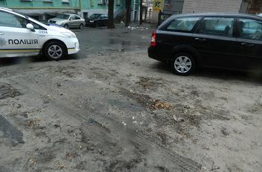 В Киеве поймали банду угонщиков, воровавших машины с эвакуатором