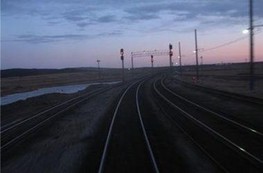 На Донбассе подорвали железную дорогу: движение поездов остановлено