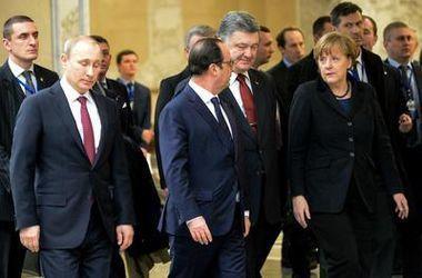 Эксперты: Украина начала игру на смену формата переговоров, России уготована новая роль
