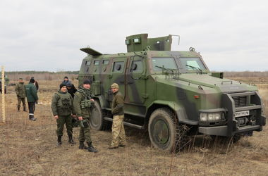 """Украинский бронеавтомобиль """"Козак"""" проверили на прочность"""