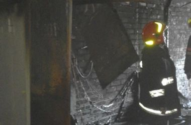 В Киеве горел пятиэтажный паркинг