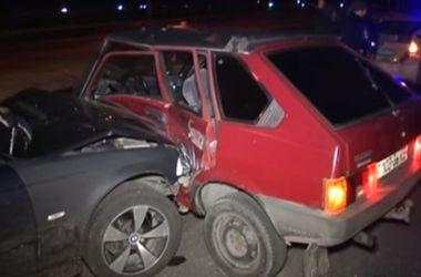 В Киеве столкнулись две машины, пострадали дети