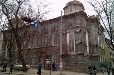 В Одессе здание областного архива вернули еврейской общине, а документы хотят переселить за город