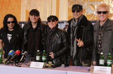 """Эксклюзивное интервью с лидером группы Scorpions: """"Поклонники часто доводят до слез"""""""