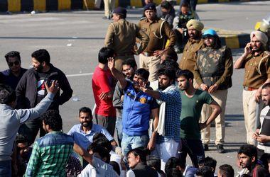 Протестующие оставили Нью-Дели без воды